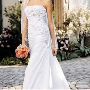 David's Bridal T9397 White Beaded Wedding Dress
